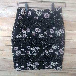 WHBM Floral Lattice Pencil Skirt size 00